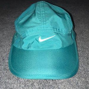 Nike women's hat NEW